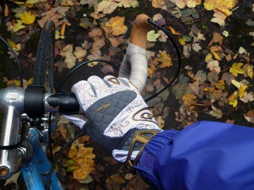 ロードバイク 秋冬 グッズ